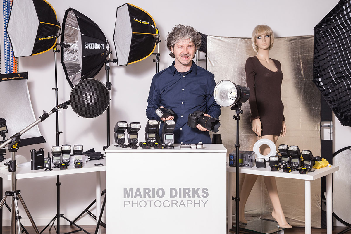 Mario-im-Studio-mit-Blitzen_3000px